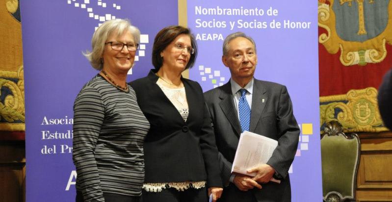 Socias y Socio de Honor de la AEAPA (de izq. a dcha.): Carmen Bascarán, Mª Luisa Laviana y Humberto López.